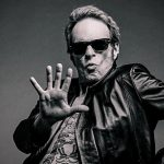 David Lee Roth s'embrouille avec Gene Simmons